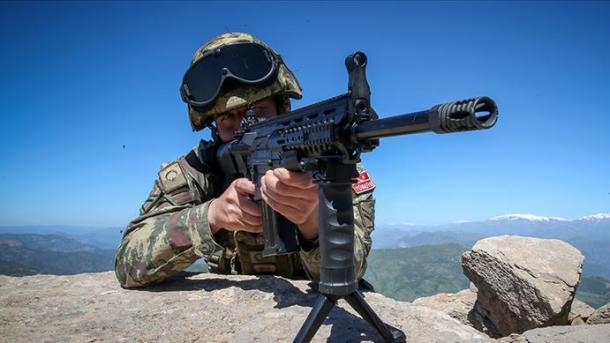 Ushtria turke neutralizon një terrorist të shumëkërkuar | TRT  Shqip