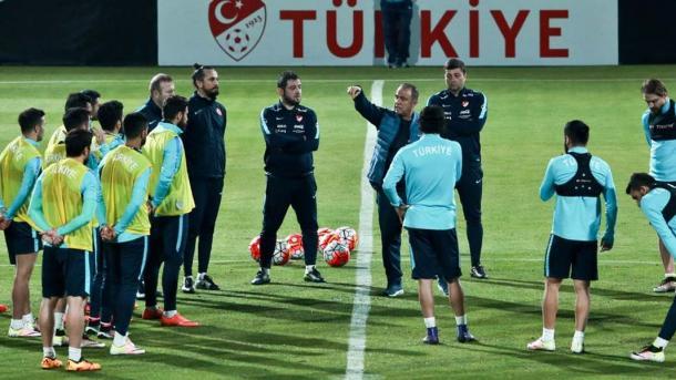 サッカー】 ワールドカップ予選でトルコ代表がコソボ代表と対戦   TRT ...
