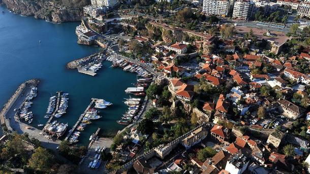 Rritet interesi i të huajve për të blerë banesa në Turqi | TRT  Shqip
