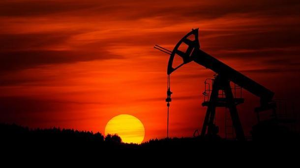 OPEC+ bie dakord për reduktimin e prodhimit të naftës | TRT  Shqip
