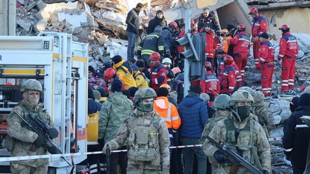Tërmeti në Turqi - Mesazhe të shumta ngushëllimi dhe solidariteti nga shumë vende të botës | TRT  Shqip