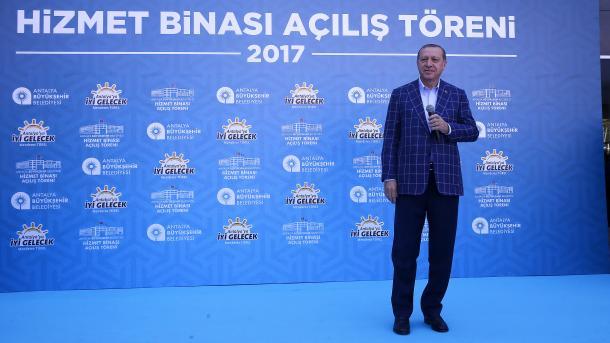 Erdogan: Nakon 16. aprila moguć referendum o pregovorima sa EU-om