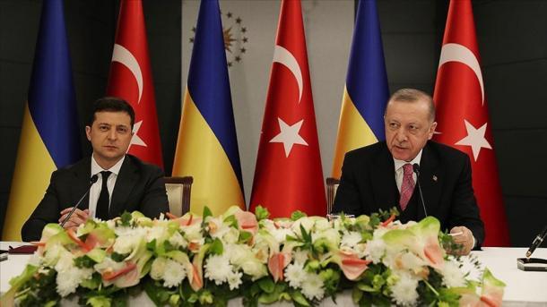 Turqia thekson përkushtimin e saj për mbrojtjen e integritetit territorial të Ukrainës | TRT  Shqip