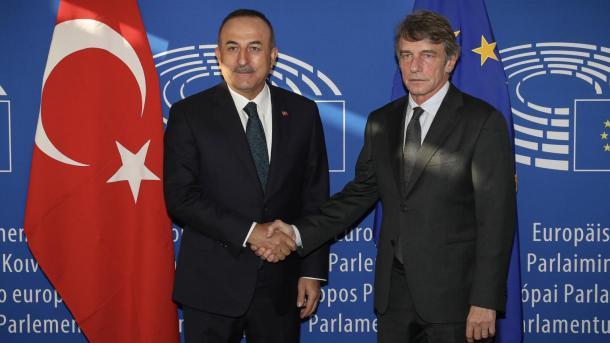 Çavusoglu takon Presidentin e PE-së, David Sassoli   TRT  Shqip
