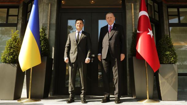 Erdogan dhe Zelensky takohen në Pallatin Huber në Stamboll | TRT  Shqip