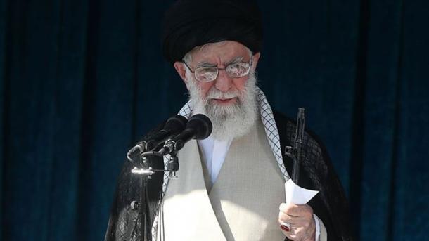 Khamenei mbështet rritjen e çmimit të karburantit: Protestat mbështeten nga armiqtë e Iranit | TRT  Shqip