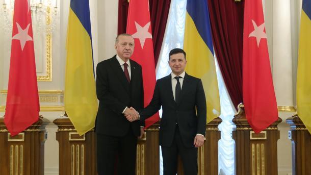Törkiyä ilbaşınıñ Ukrainağa säfäre   TRT  Tatarça