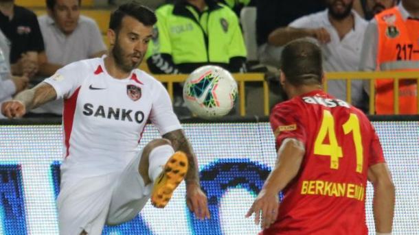Superliga turke – Kryeson Aytemiz Alanyaspori me 14 pikë   TRT  Shqip