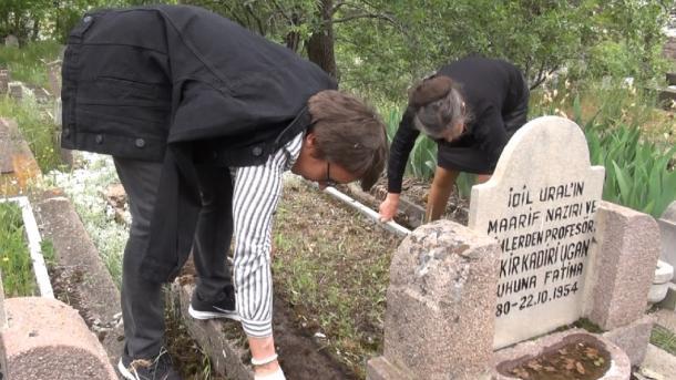 Änkara ziratında tatar zıyalıları | TRT  Tatarça