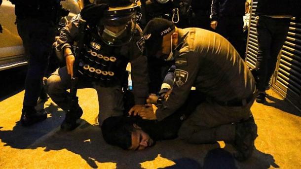 Policia izraelite ndërhyn sërish ndaj palestinezëve në Jerusalem | TRT  Shqip