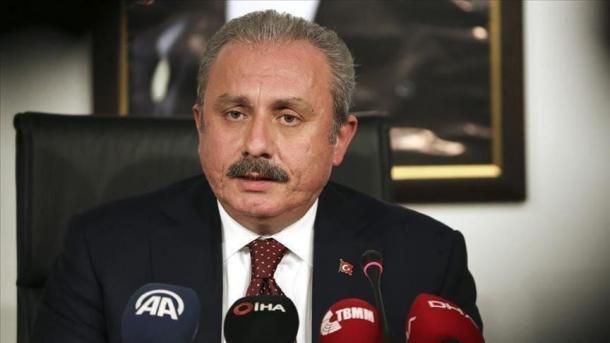 Sentop: Dënoj imoralitetin e gazetës greke | TRT  Shqip