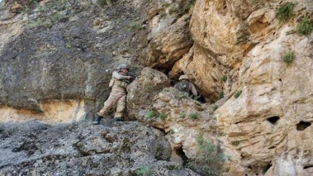 Turqi – Operacion antiterror në Diyarbakir, neutralizohet 1 terrorist | TRT  Shqip
