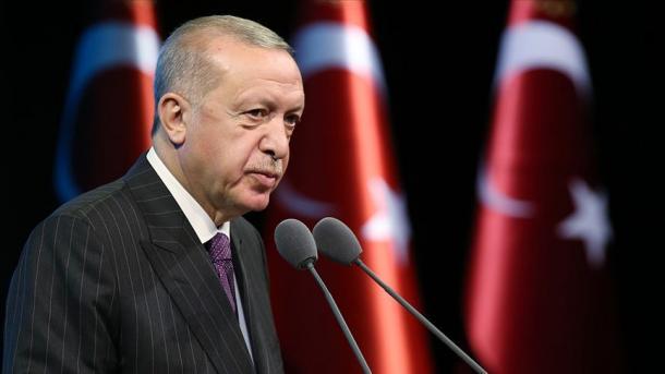 Erdogan: Ne gjunjëzohemi para Allahut dhe nuk gjunjëzohemi para asnjë fuqie tjetër | TRT  Shqip