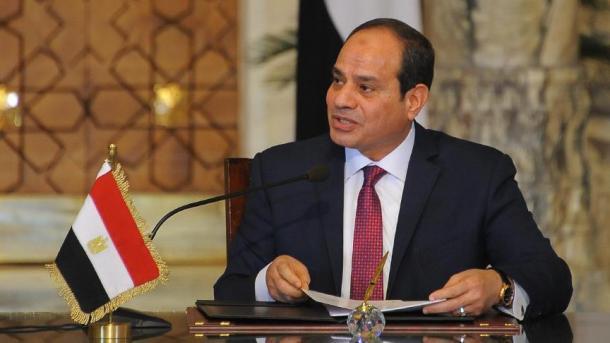 Egjipti shpalli tre muaj gjendje të jashtëzakonshme   TRT  Shqip