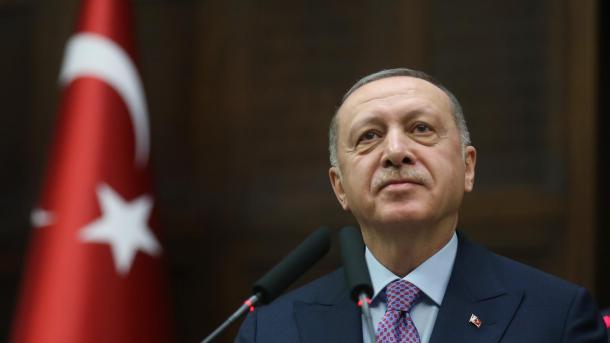 Erdogan: Dëshira jonë e vetme është që sirianët të jetojnë në paqe në tokat e tyre | TRT  Shqip