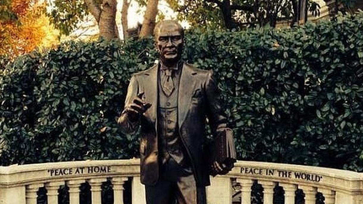 Você sabia que a primeira estátua de Atatürk em espaço público nos Estados Unidos fica em Washington?