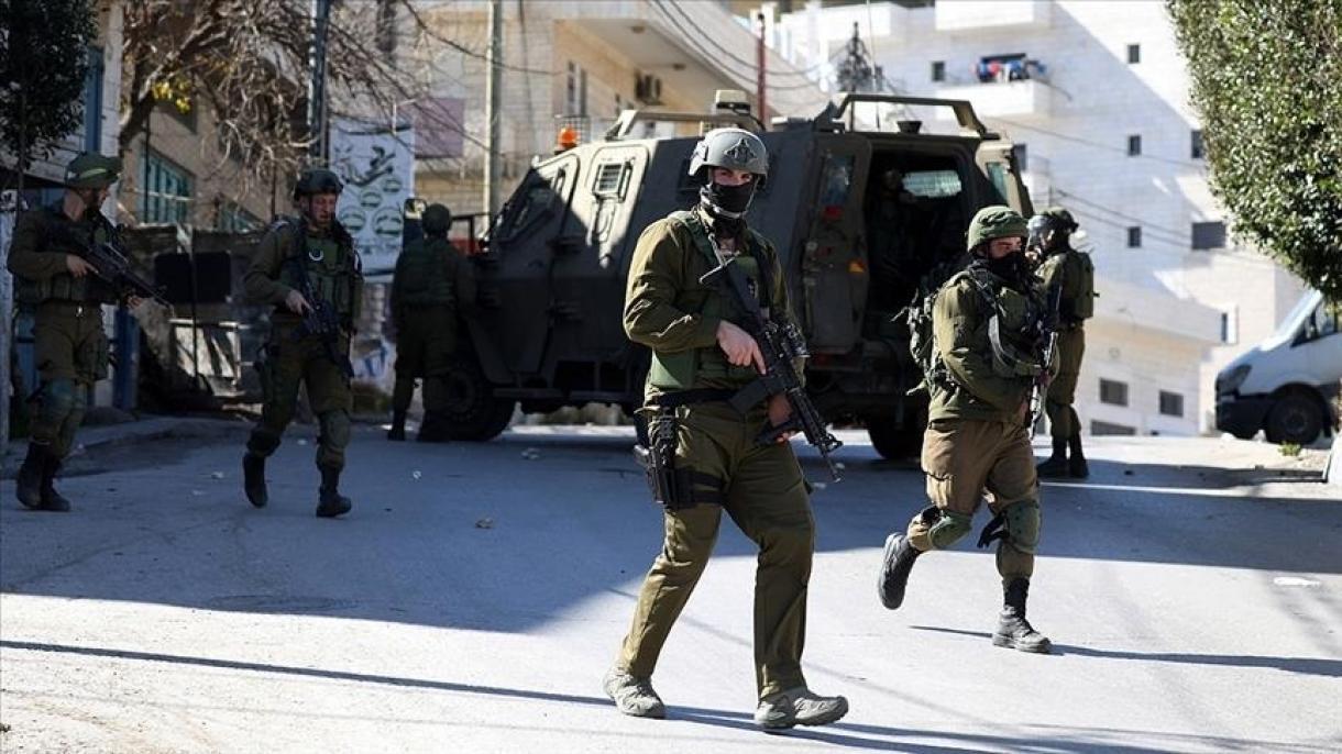 Izraelske snage privele osamPalestinaca, uključujući jednog novinara