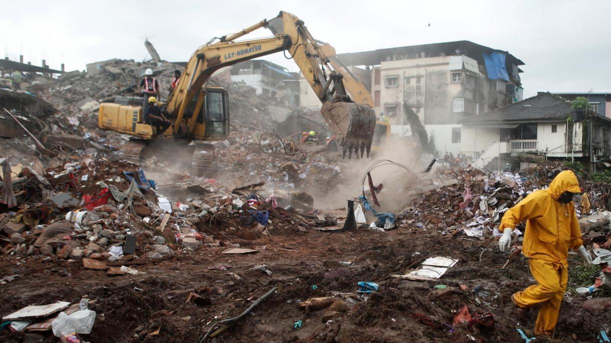 印度一栋建筑物发生倒塌事故