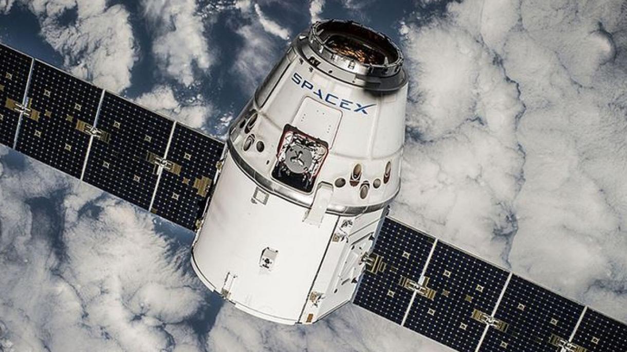SpaceX lanza 60 satélites de internet al espacio