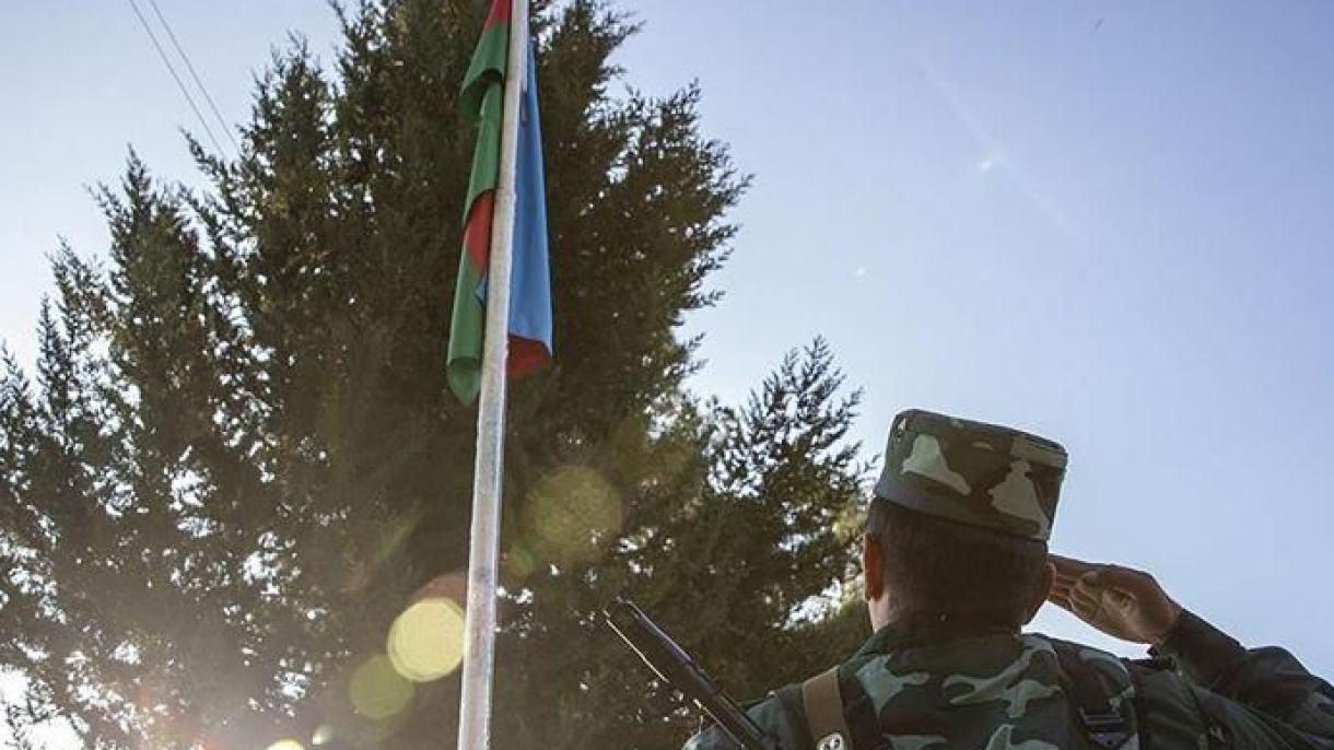 Azerbejdžanska vojska oklopnim vozilima ulazi u grad Agdam koji napuštaju armenske snage