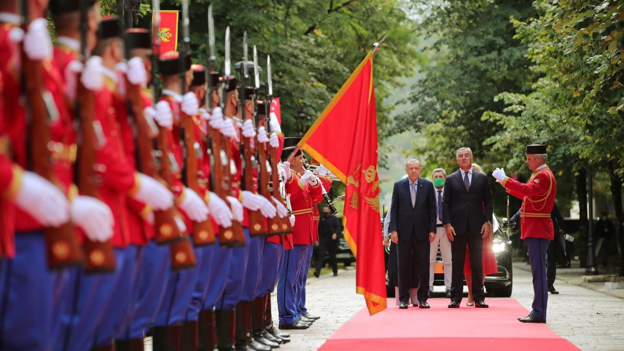 Cumhurbaşkanı Erdoğan Karadağ Karşılama Töreni.jpg