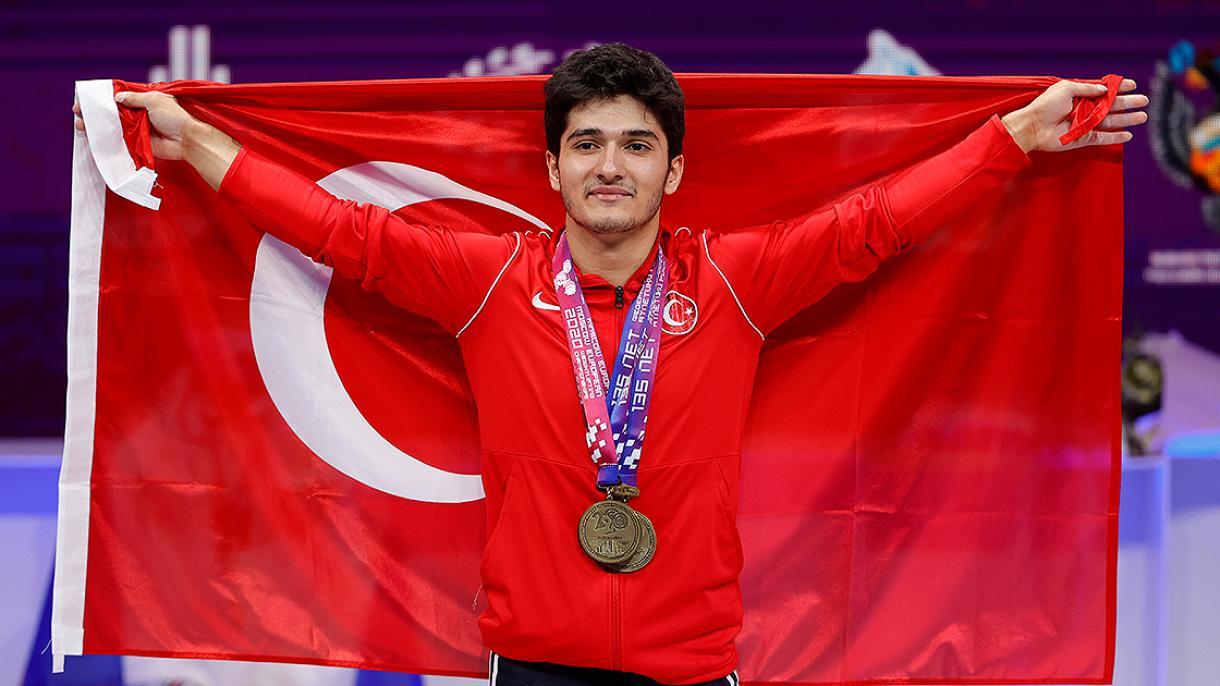 Muhamed Furkan Ozbek prvak Evrope u dizanju tegova