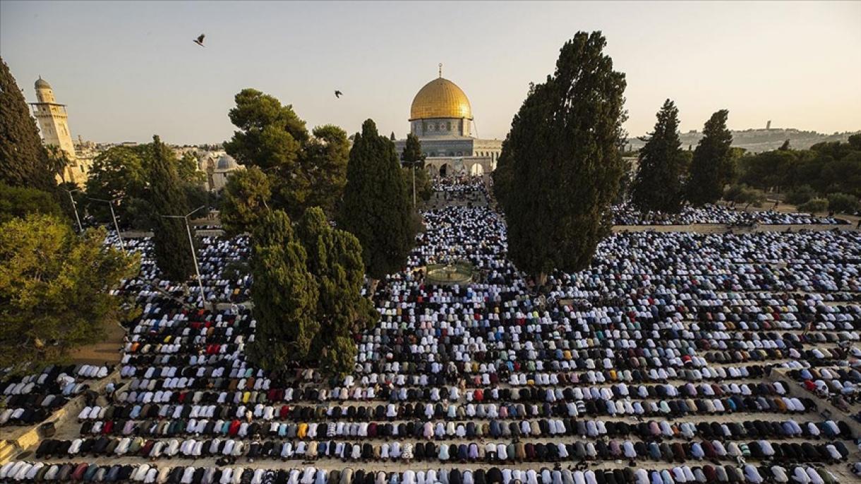 Desetine hiljada muslimana klanjalo bajram-namaz u džamiji Al-Aksa