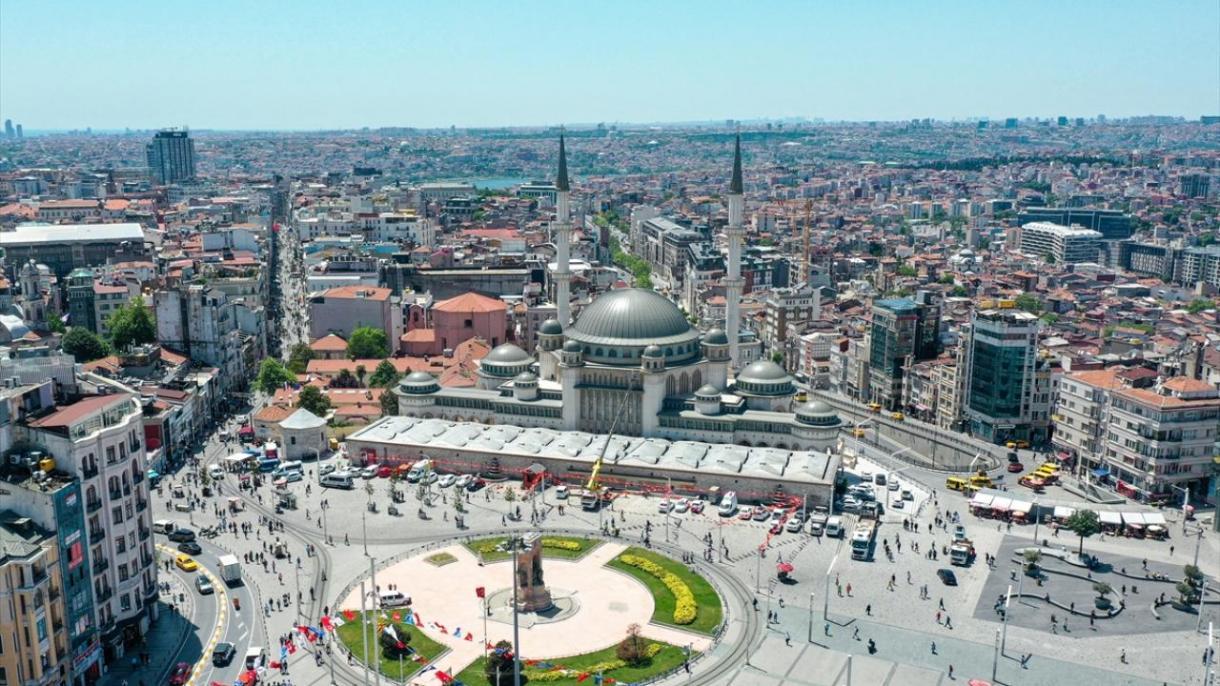 istanbul taksim cami.jpg