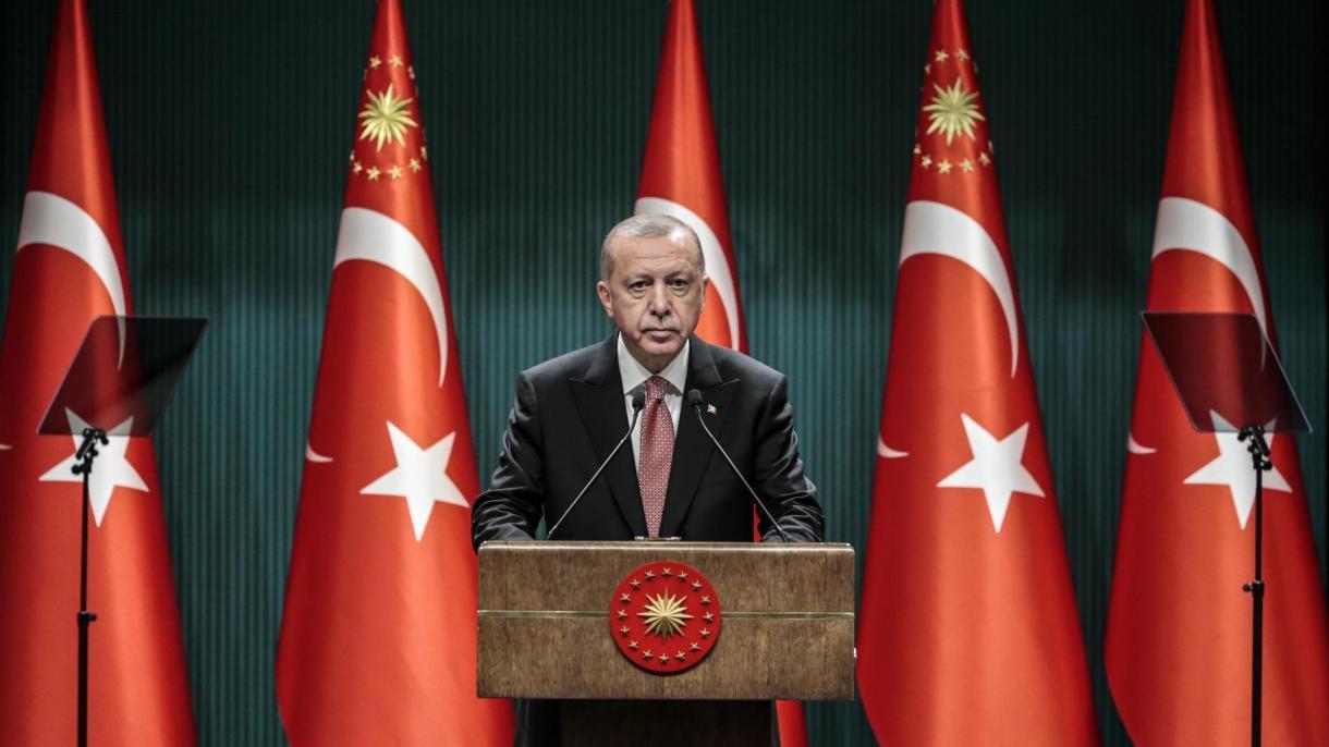 Erdogan: Ponovno se zaklinjemo da nećemo dozvoliti da bilo ko dira naš ezan, zastavu i našu domovinu