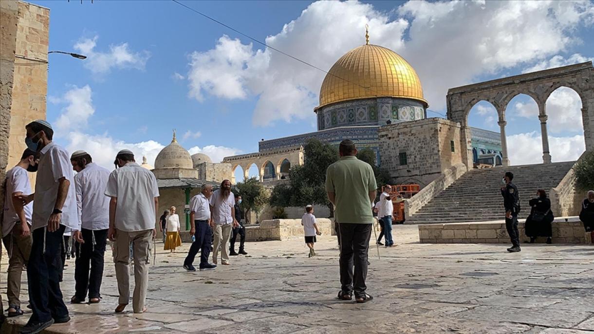 Nekoliko stotina fanatičnih Jevreja upalo u kompleks svete džamije Al-Akse