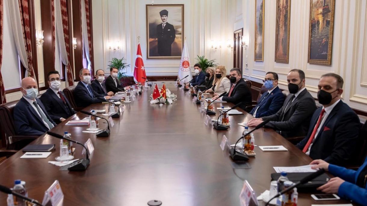 دیدار وزیر دادگستری ترکیه با کمیسر حقوق بشر آذربایجان